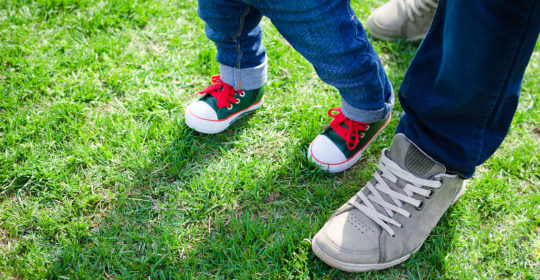 Why Does My Kid Walk Like That? Intoeing, Knock Knees and Flat Feet Explained
