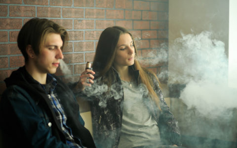 A Parents Guide to Juuling/Vaping/e-cigs